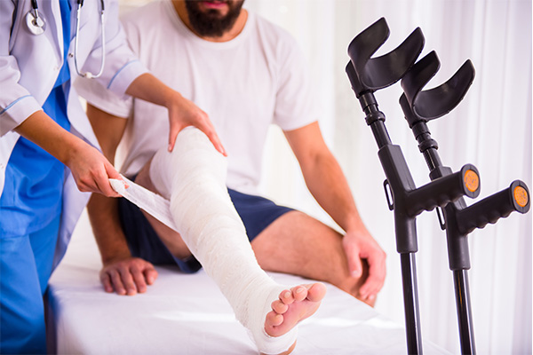 man-in-doctor-office-with-injury-from-product